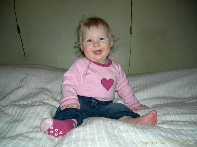 Julia 8 månader